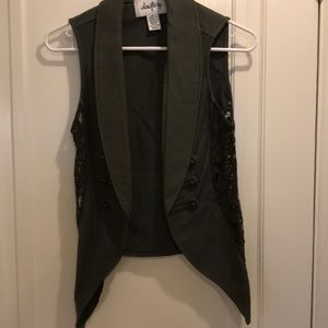 Buckle daytrip olive green vest with lace. small